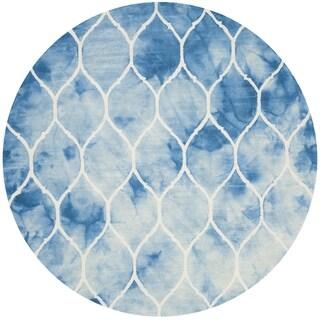 Safavieh Handmade Dip Dye Watercolor Vintage Blue/ Ivory Wool Rug (7' Round)