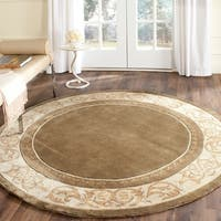 Safavieh Hand-hooked Total Perform Olive/ Ivory Acrylic Rug - 6' Round