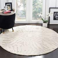 Safavieh Handmade Bella Silver/ Ivory Wool Rug (5' Round) - 5'