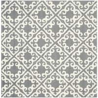 Safavieh Hand-hooked Easy to Care Grey/ Ivory Rug - 6' x 6' Square