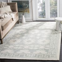 Safavieh Handmade Bella Grey/ Ivory Wool Rug - 5' Square