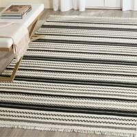 Safavieh Hand-Woven Kilim Ivory/ Black Wool Rug - 5' x 8'