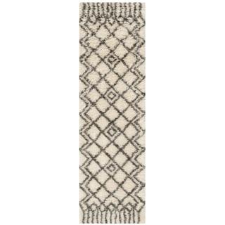 Safavieh Handmade Casablanca Shag Santina Tribal Wool Rug (23 x 8 Runner - Ivory/Grey)