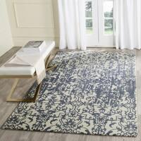Safavieh Handmade Restoration Vintage Ivory / Blue Wool Distressed Area Rug - 6' Square