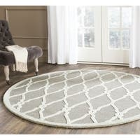 Safavieh Handmade Cambridge Dark Grey/ Ivory Wool Rug - 8' Round