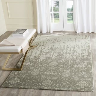 Safavieh Handmade Restoration Vintage Light Sage/ Grey Wool Distressed Rug (6' Square)