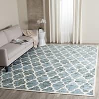 Safavieh Handmade Himalaya Turquoise/ Ivory Geometric Wool Rug (6' Square) - 6'