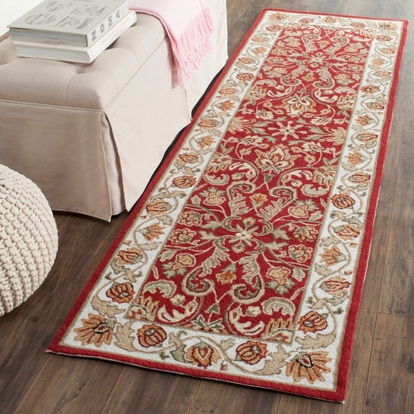 Safavieh Hand-hooked Easy to Care Red/ Ivory Rug - 2' 6 x 8'