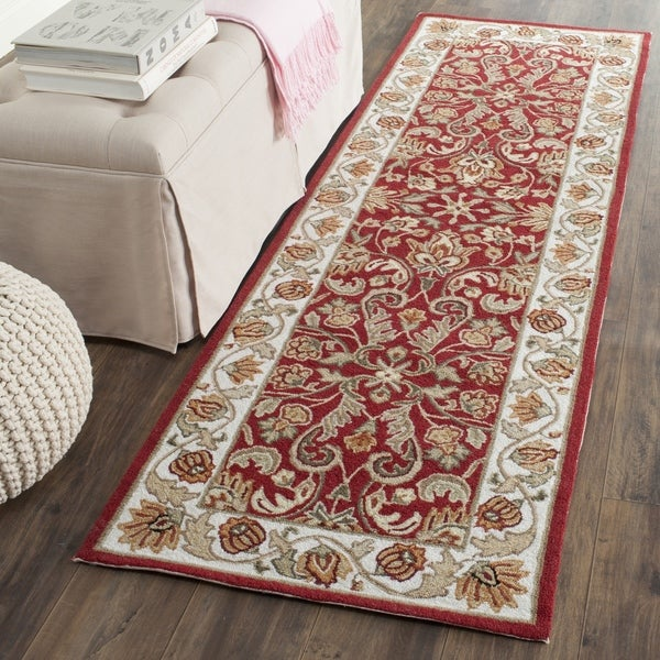 Safavieh Hand-hooked Easy to Care Red/ Ivory Rug (2' 6 x 8')