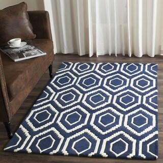 Safavieh Handmade Chatham Dark Blue/ Ivory Wool Rug (7' Square)