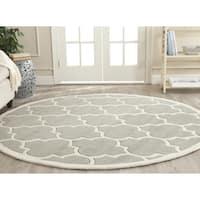 """Safavieh Handmade Chatham Grey/ Ivory Wool Rug - 8'9"""" x 8'9"""" round"""