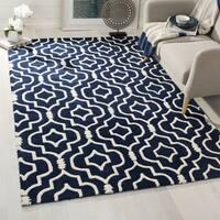Safavieh Handmade Chatham Dark Blue/ Ivory Wool Rug - 7' x 7' Square