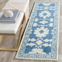 "Safavieh Handmade Bella Blue/ Ivory Wool Rug - 2'-3"" X 7'"