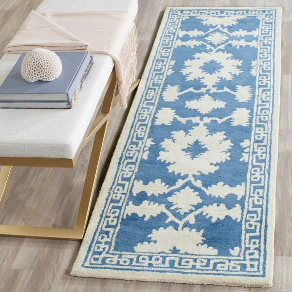 Safavieh Handmade Bella Blue/ Ivory Wool Rug - 2' 3 x 7'
