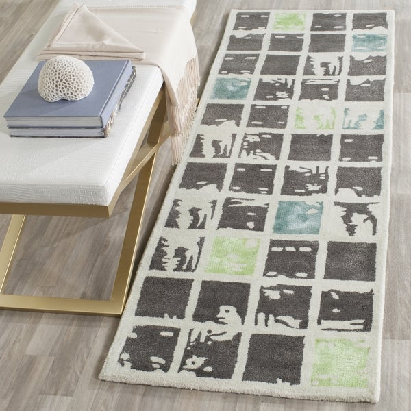 Safavieh Handmade Bella Grey/ Ivory Wool Rug (2' 3 x 9')