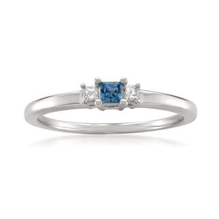 Montebello Jewelry 14k White Gold Blue Sapphire and White Diamond 3-Stone Engagement Ring (I-J, I2-I3)