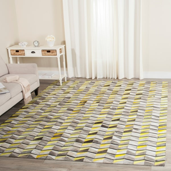 Safavieh Handmade Studio Leather Modern Abstract Ivory/ Yellow Leather Rug - 8' x 10'