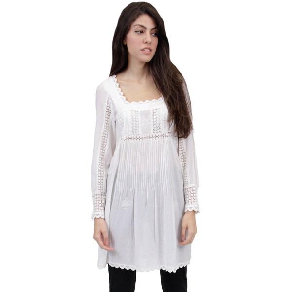 La Cera Women's Long-sleeve Lace Yoke Top
