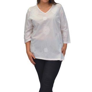 La Cera Women's White Cotton Plus-size Embroidered V-Neck Casual Shirt