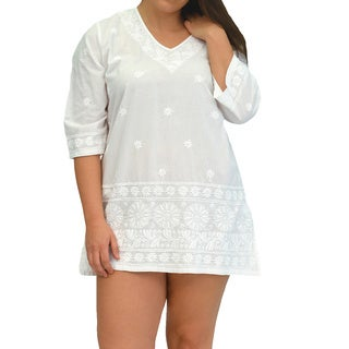 La Cera Women's Plus Size 3/4 Sleeve Embroidered Kurta Top