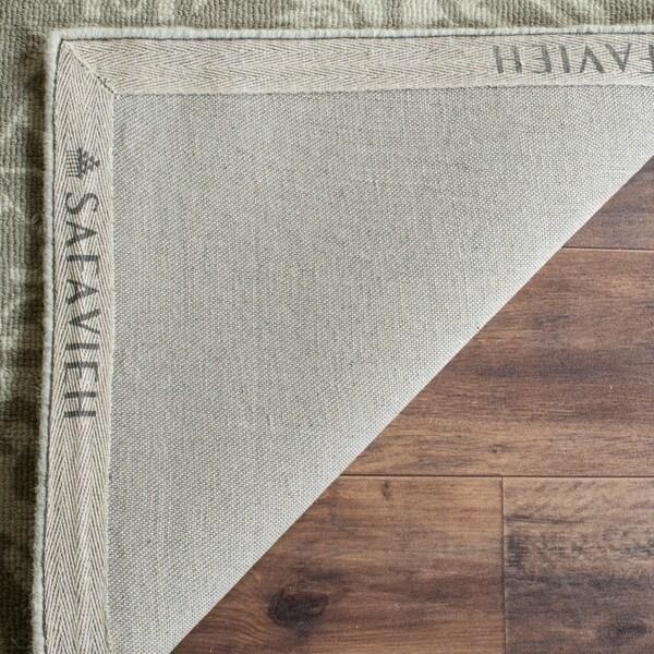 Safavieh Handmade Restoration Vintage Light Sage Wool Distressed Rug - 8' x 10'