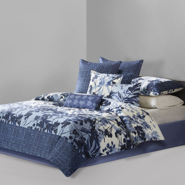 N Natori Yumi Botanical Multi Comforter Set