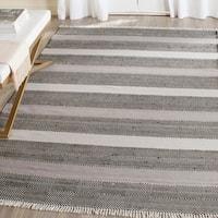 Safavieh Hand-Woven Kilim Grey/ Black Wool Rug - 8' x 10'
