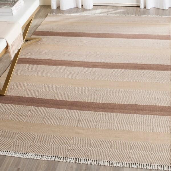 Safavieh Hand-Woven Kilim Beige Wool Rug - 8' x 10'