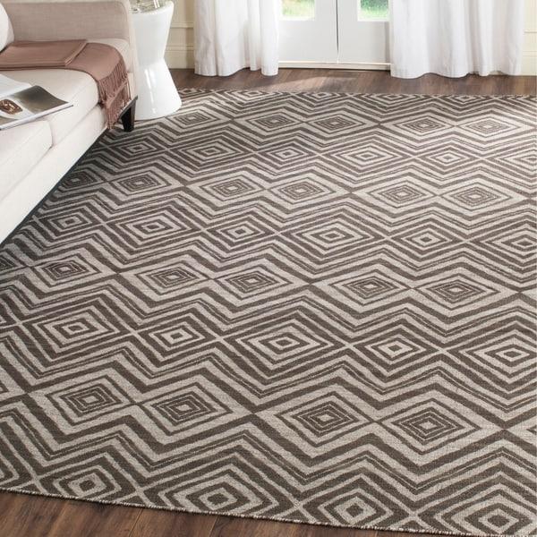 Safavieh Hand-Woven Kilim Grey/ Light Grey Wool Rug - 8' x 10'