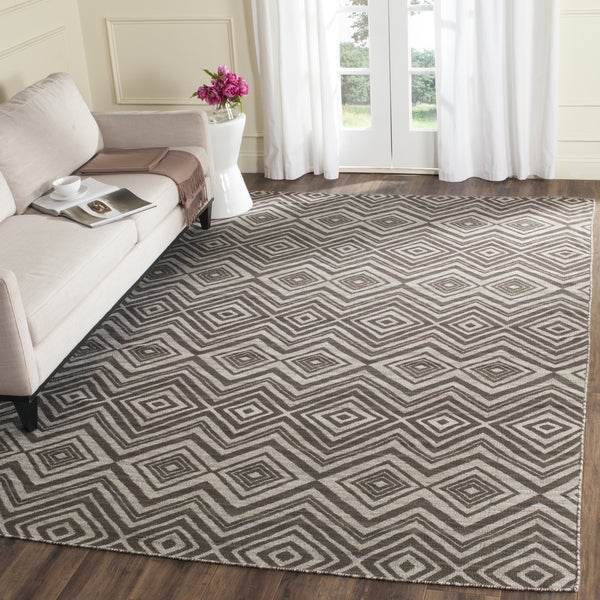 Safavieh Hand-Woven Kilim Grey/ Light Grey Wool Rug - 8' x 10'