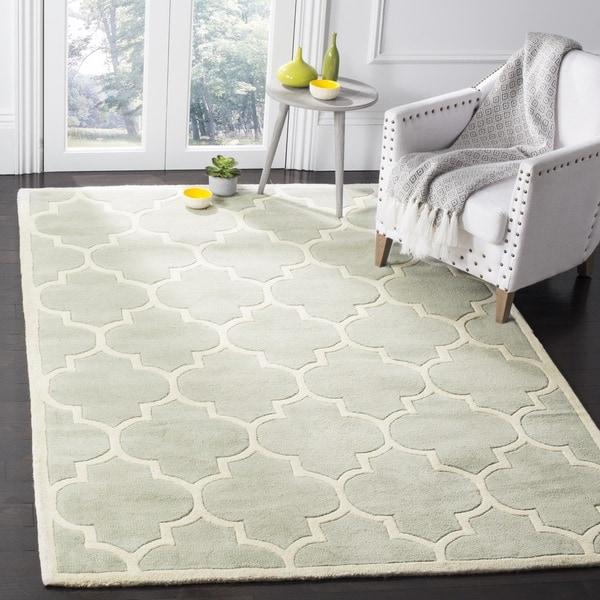 Safavieh Handmade Chatham Grey/ Ivory Wool Rug - 7'6 x 9'6