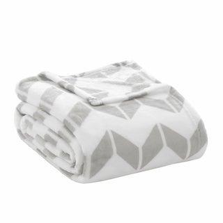 Intelligent Design Chevron Plush Blanket 3-Color Option