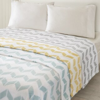 Intelligent Design Chevron Plush Blanket 3-Color Option