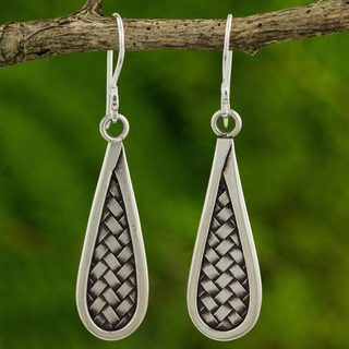 Handmade Silver 'Karen Morning' Earrings (Thailand)
