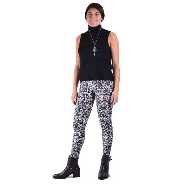 2 Piece Outfit: Vintage Vogue Black Legging w/Sleeveless Turtle Neck Sweater