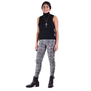 2 Piece Outfit: Vintage Vogue Black Legging w/Sleeveless Turtle Neck Sweater
