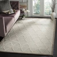 Safavieh Handmade Cambridge Light Grey/ Ivory Wool Rug (10' x 14')