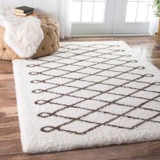 nuLOOM Soft and Plush Cloudy Shag Diamond Brown Rug (5' x 8')