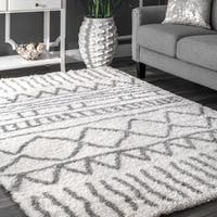 The Curated Nomad Delmar Moroccan Trellis White Shag Rug (4' x 6')