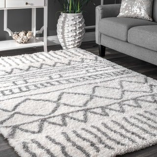 The Curated Nomad Delmar Moroccan Trellis White Shag Area Rug - 5' x 8'