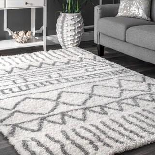 nuLOOM Soft and Plush Cloudy Shag Moroccan Geometric Grey Rug (6'7 x 9')