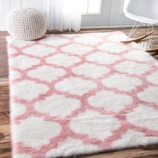 nuLOOM Cozy Soft and Plush Faux Sheepskin Trellis Shag Kids Nursery Pink Rug (5' x 8')