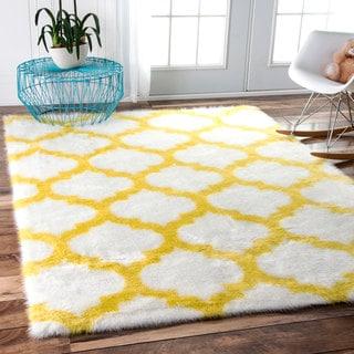 nuLOOM Cozy Soft and Plush Faux Sheepskin Trellis Shag Kids Nursery Yellow Rug (5' x 8')