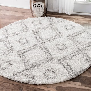 nuLOOM Alexa My Soft and Plush White Moroccan Diamond Round Shag Rug (5'3 Round)