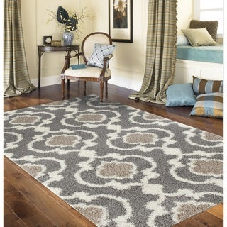 Cozy Moroccan Trellis Gray/Cream Indoor Shag Area Rug (5'3 x 7'3) - Thumbnail 0