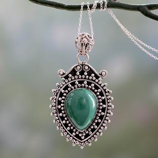 Sterling Silver 'Mirror of the Soul' Malachite Necklace (India)