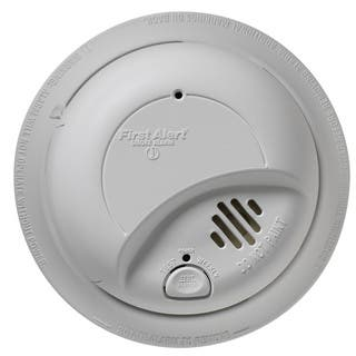 First Alert 9120B 120 Volt Hardwired Smoke Alarm With Battery Back Up|https://ak1.ostkcdn.com/images/products/11768177/P18681335.jpg?impolicy=medium
