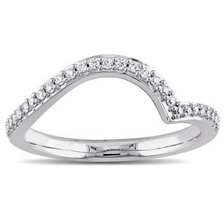 Miadora 14k White Gold 1/6ct TDW Diamond Contour Wedding Band (G-H, I1-I2)