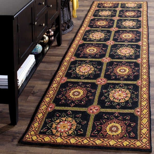 Safavieh Hand-hooked Easy to Care Black/ Yellow Rug - 2' 6 x 10'