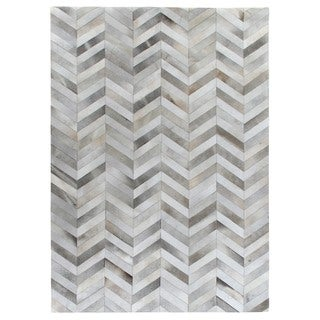 Exquisite Rugs Chevron Hide Silver / White Leather Hair-on-Hide Rug (13'6 x 17'6) - 13'6 x 17'6